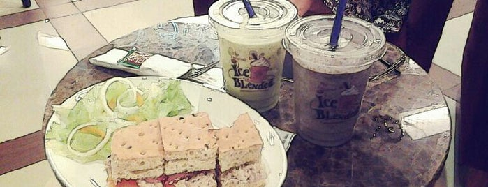 The Coffee Bean & Tea Leaf is one of Trans Studio Mall Makassar.