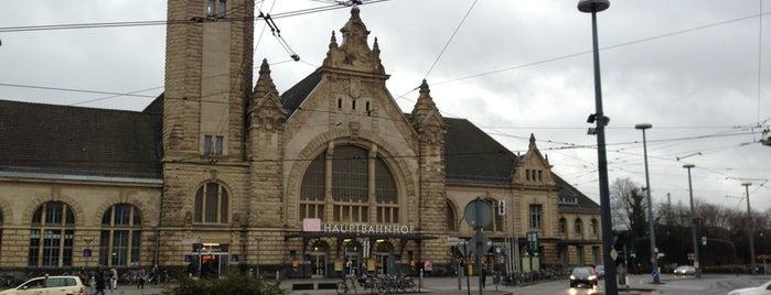 Krefeld Hauptbahnhof is one of Ausgewählte Bahnhöfe.