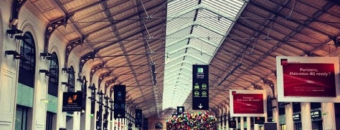 Paris Saint-Lazare Railway Station is one of Loisirs.