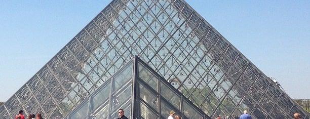 Pyramide du Louvre is one of Paris, FR.