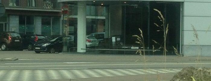 Porsche Centre Antwerpen is one of Automotive & Racing.
