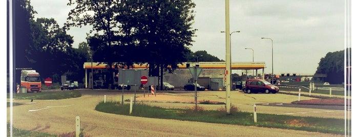 Shell Dekkersland is one of Shell Tankstations.