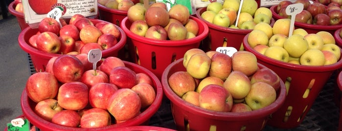 Cherry Hill Orchards is one of Farm Markets and Organic Food in Lancaster.