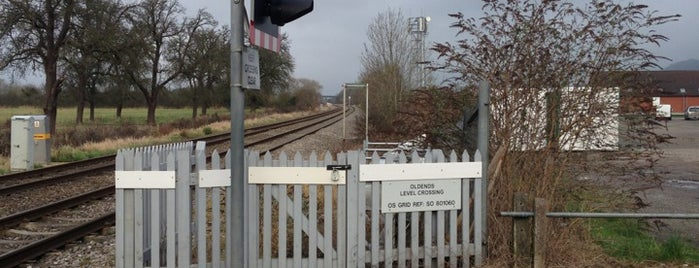 Old Ends Level Crossing is one of Howard's Tips.