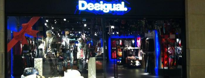 Desigual La Maquinista is one of Desigual stores Barcelona.