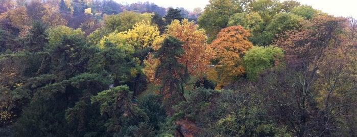 Parc des Buttes-Chaumont is one of Parcs & Jardins de Paris.