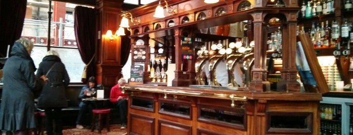 The Guildford Arms is one of Real Ale in Edinburgh.
