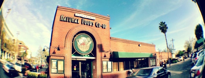 Sacramento Natural Foods Co-op is one of Favorite Food.