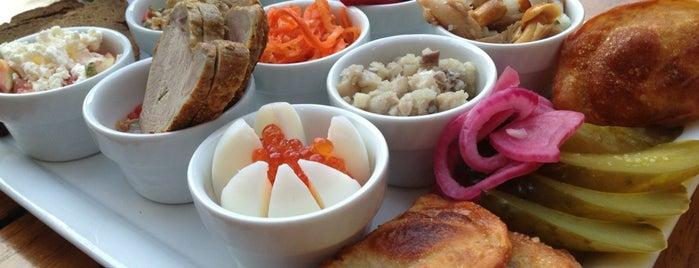 Café Datscha is one of das frühstück.