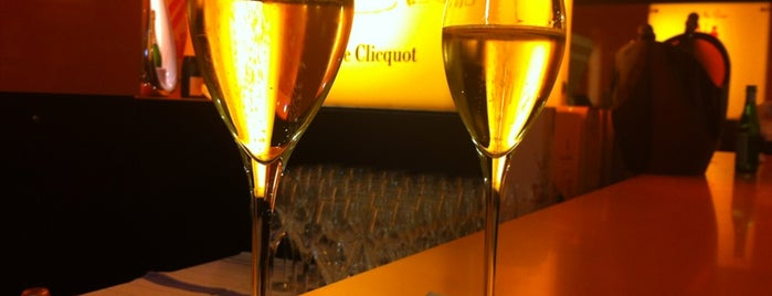 Veuve Cliquot Champagner-Bar is one of Berlin.