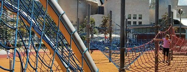 Guggenheim Playground is one of cosas visitadas.