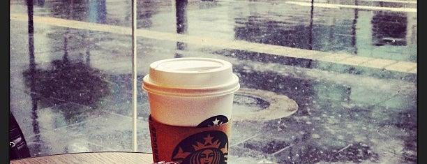 Starbucks Center Plaza is one of Mon Carnet de bord.