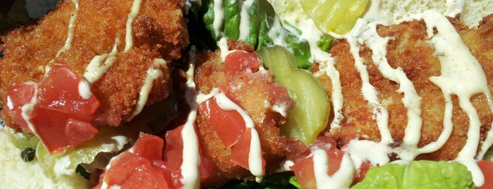 Speedway Eatery is one of St. Louis food trucks.