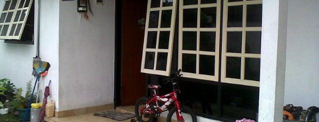 Jalan Tukad Pakerisan is one of Bali's Road.
