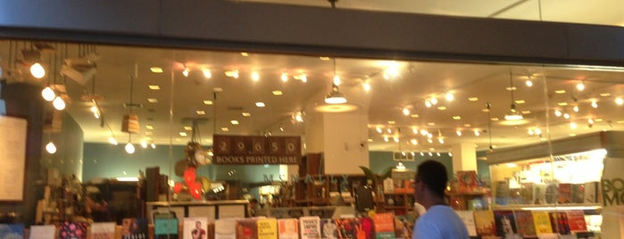 McNally Jackson Books is one of kunterbunt.