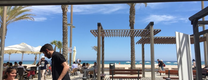 Burger Beach is one of los mejores sitios para comer en Alicante.