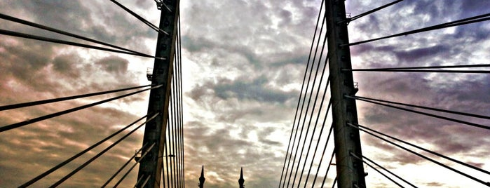 Penang Bridge is one of All-time favorites in Malaysia.