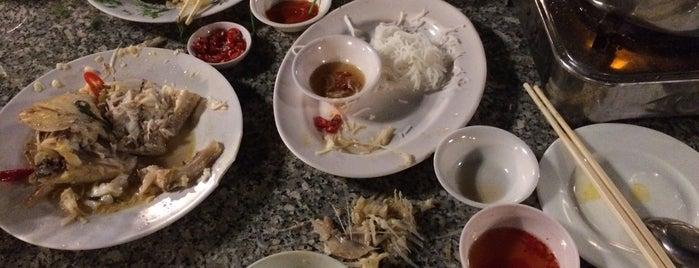 Song Trang Restaurant is one of Đồ ăn sài gòn.