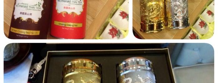 EMERALD THAI TEA premium shop is one of Teerachat's tips.