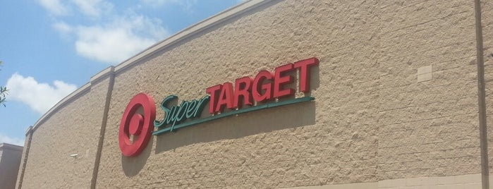 SuperTarget is one of Orlando - Compras (Shopping).