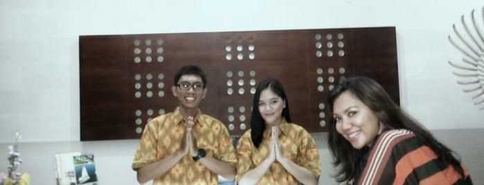 SMK (SMIP) Kertha Wisata Denpasar is one of SMA/SMK Denpasar.