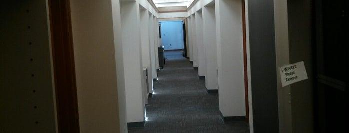 Deschutes Hall is one of University of Oregon Buildings.