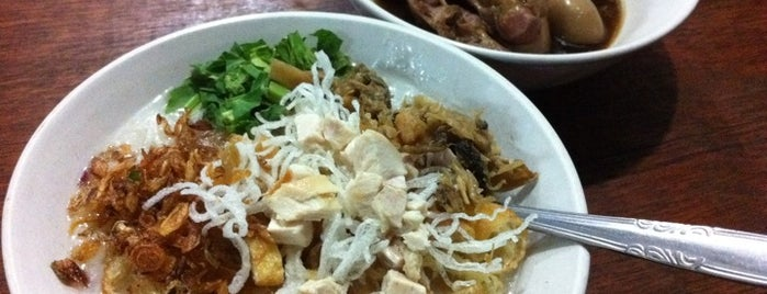 Bubur Ayam Monas is one of Must Visit Places in Jakarta ( Indonesia ).