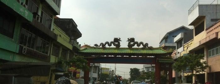 Jalan Kembang Jepun is one of Sparkling Surabaya.
