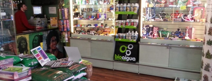 Parafernalia Grow Shop is one of @ Madrid (MD, España).