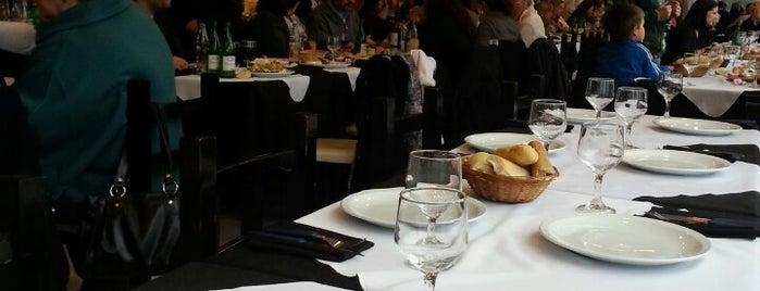 El Retiro is one of Lugares para comer favoritos.