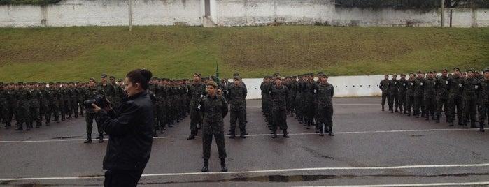 3° Batalhão de Polícia do Exército is one of sem perímetro.