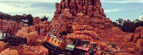 Big Thunder Mountain Railroad is one of Magic Kingdom Guide by @bobaycock.