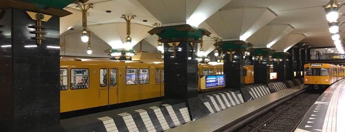 U Rathaus Spandau is one of U-Bahn Berlin.