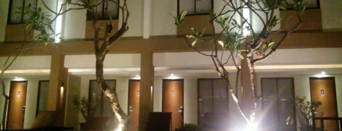 Hotel Santika Kuta is one of Place3.