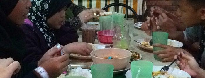 Lady Finger is one of Makan Time..