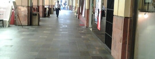 Greenbelt 2 is one of Malls.