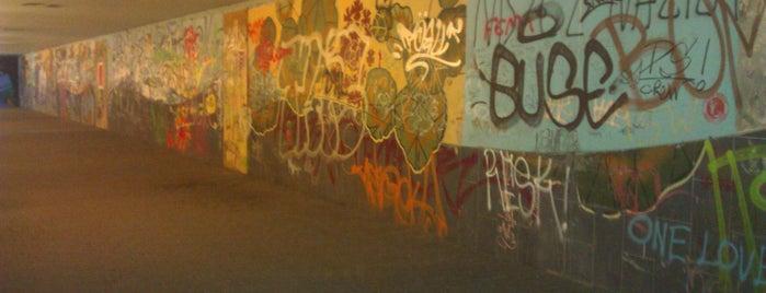 Pasaż podziemny pod Mostem Grunwaldzkim is one of Street Art w Krakowie: Graffiti, Murale, KResKi.