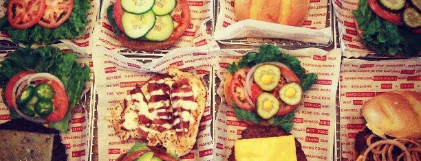 Smashburger is one of Burgers in ATX.