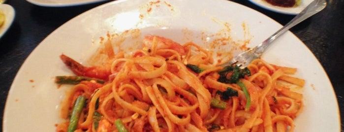 Italianni's is one of Fave DFdub Grub.