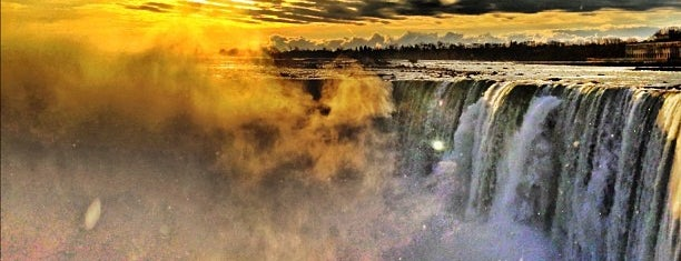 Niagara Falls (Canadian Side) is one of summer'12.