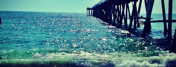 Hermosa Beach Pier is one of south bay beach cities.