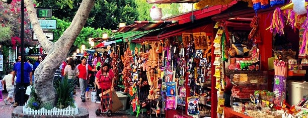 Olvera Street is one of Before you leave LA, you must....