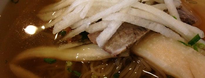 우래옥 (又來屋) is one of 한국인이 사랑하는 오래된 한식당 100선.