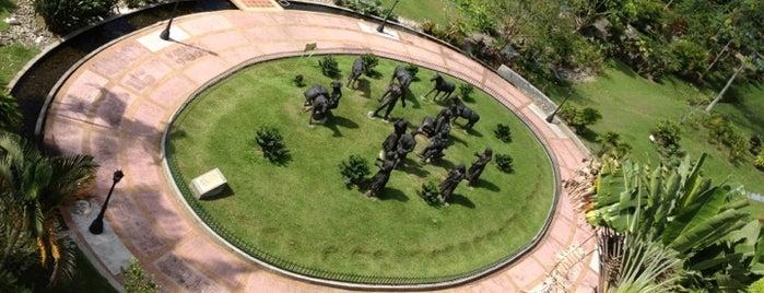 Parque Nacional del Café is one of Lugares en Colombia!!!! :D.