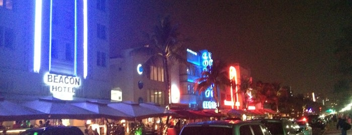 Miami Beach | Art Deco District is one of Midtown.