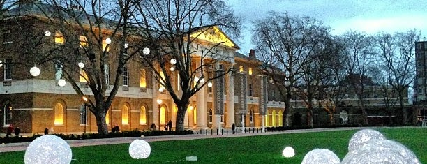 Saatchi Gallery is one of London.