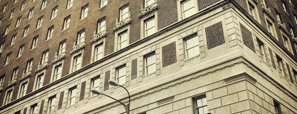 Marriott St. Louis Grand Hotel is one of Ren.