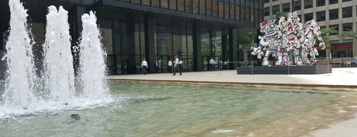 375 Park Ave Fountains is one of Great Outdoor and Swimmies.