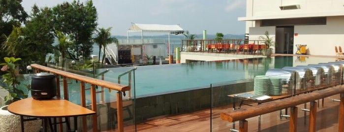 HARRIS Hotel Batam Center is one of Best Of Hotel.