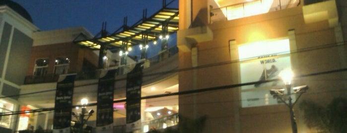 Boulevard Marina Arauco is one of mis.